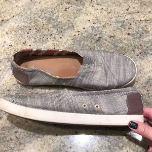 Ladies Toms size 11